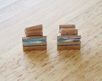 Vintage Gold Tone Cuff Links.