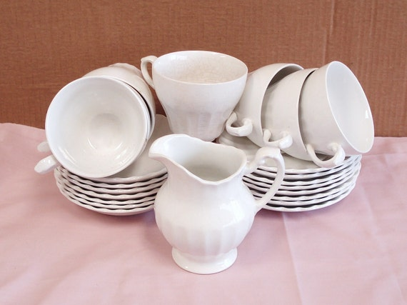 Vintage MEAKIN CLASSIC WHITE Ironstone Dinnerware 23 Pieces.