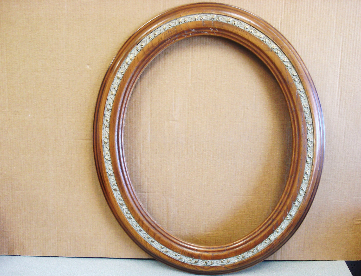 Vintage Wood Picture Painting Oval Frame