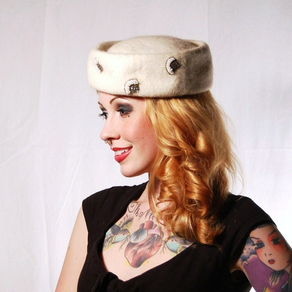 Vintage 1950s Wool and Applique White Pill Box Hat