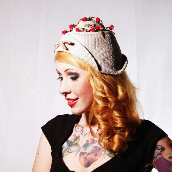 Vintage Berry and Bow Hat by Alma's