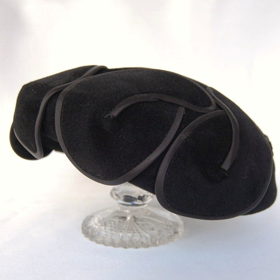 Vintage 1940s/1950s Black Petal Wool Hat by Yvette