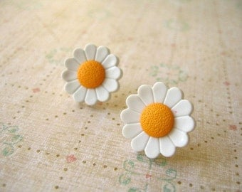 Flower Earring, Button Earrings White Orange Flower, Button Jewelry