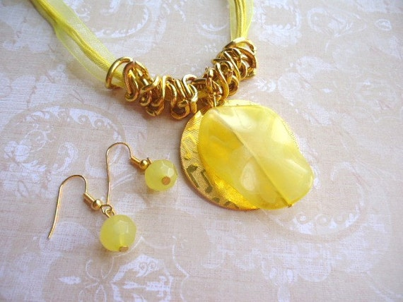 Yellow Necklace & Earnings, Yellow Bead Necklace, Yellow Jewelry