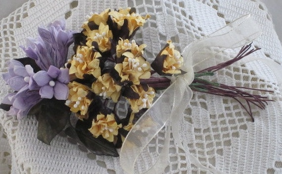 SPRINGTIME Paper FLOWER Bouquet -  for CRAFT/Jewelry  Creations
