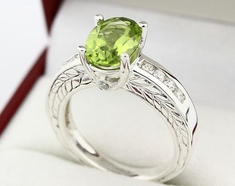 Natural Green Peridot Solid 14K White Gold  Antique Diamond Ring