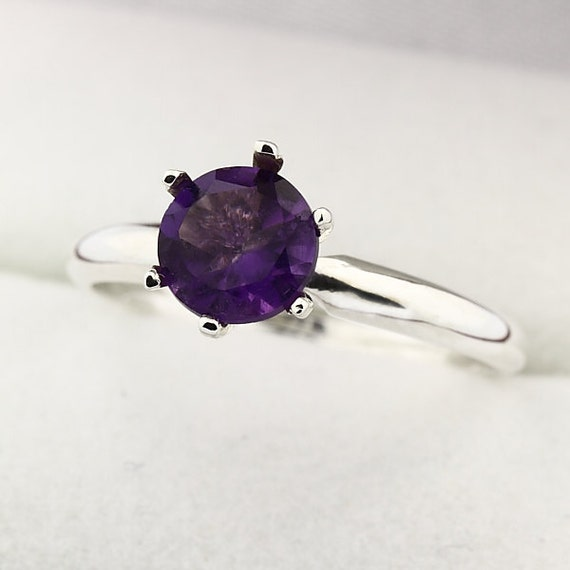 Natura VS purple Amethyst Solid 14K White Gold Diamond Ring