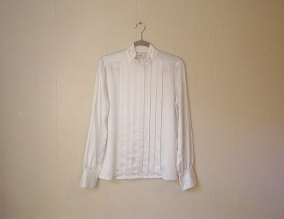 SALE - Classic White BLOUSE - Pleated Detail Top