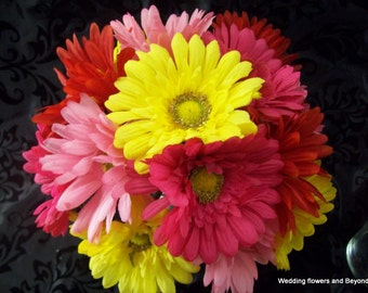CUSTOM made to order 2 PieCe HoT PiNK, BuBLe GuM PiNK,ReD,aND YeLLoW GeRBeRa DaiSY Bridesmaid BouQueT CoLoRFuL FLoWeR  SeT  WeDDiNG BouQueTS