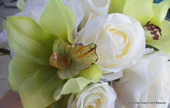 CUSTOM made to order BeaCH WeDDiNG GReeN oRCHiDS and LiGHT iVoRY RoSes SiLK BouQueT