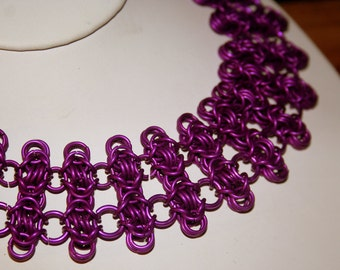 Fence Post Byzantine Chainmaille Necklace in Violet