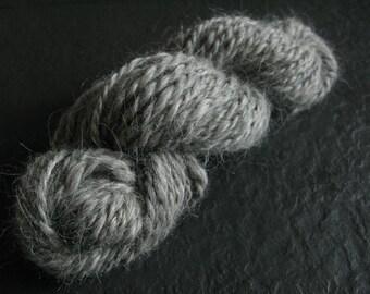 Handspun Alpaca Yarn / Chunky Handspun Yarn / Bulky Handspun Yarn / Chunky Alpaca Yarn / Bulky Alpaca Yarn / Grey Yarn / Gray Handspun Yan