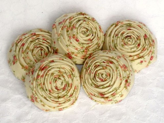 Roses on cream shabby chic rosettes  5 pieces