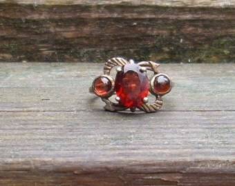Handmade Victorian  Faceted Garnet  Sterling Silver Ring