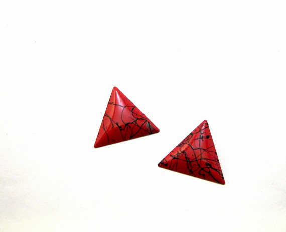 Vintage 1980's Red and Black Paint Splatter Painted Metal Triangle Earrings