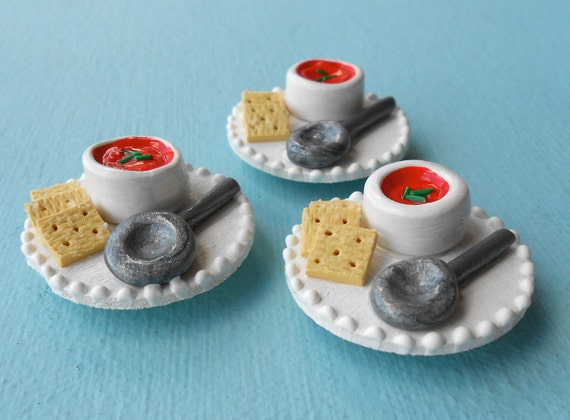 Magnet: Tomato Bisque Soup with Crackers
