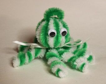 Chenille Octopus - Green and White