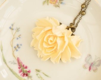 Artemis Cream Rose Cabochon Pendant Necklace
