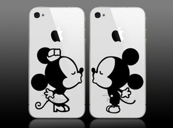 Mickey and Minnie cuties kissing for iphones or ipod vinyl wall decal