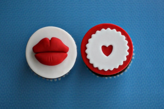 Fondant Lips and Hearts Love and Kisses Toppers for Cupcakes, Cookies or Mini-Cakes