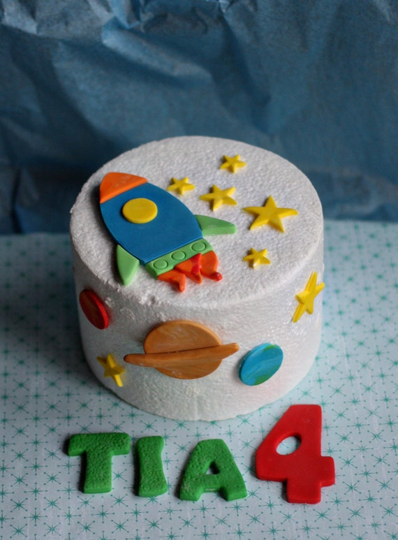 Fondant Rocket, Stars and Planet Cake Decorations for a Space Party Birthday Cake