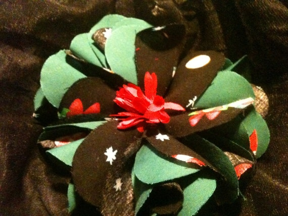Christmas Big Flower Black with Green accent material