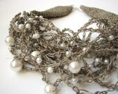 Pearly Drops of Dew - Big linen Pearls Necklace