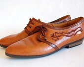 Vintage Embroidered Brown Leather Oxfords. size 8 / 8.5