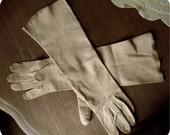 Elegant Kid Gloves - Womens, size 71/2