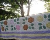 Antique Applique Garden Flowers Vintage Quilt - Excellent