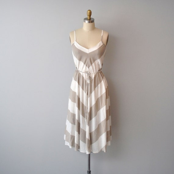 vintage chevron summer dress size marked 5