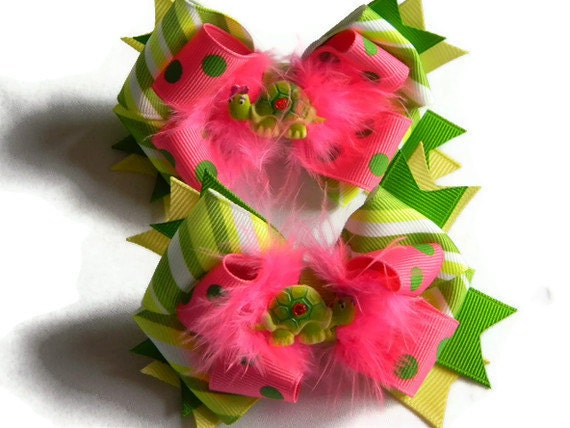 Turtle Hair bows Pig Tail Set of 2 Green and Hot Pink Ribbon, Pink Marabou Feathers and Turtle Centers