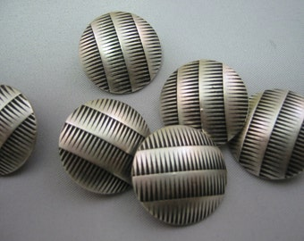 "Silver color metal button, lot  size is 6 Buttons, 3 sizes available 7/8"" 3/4"" and 5/8"""