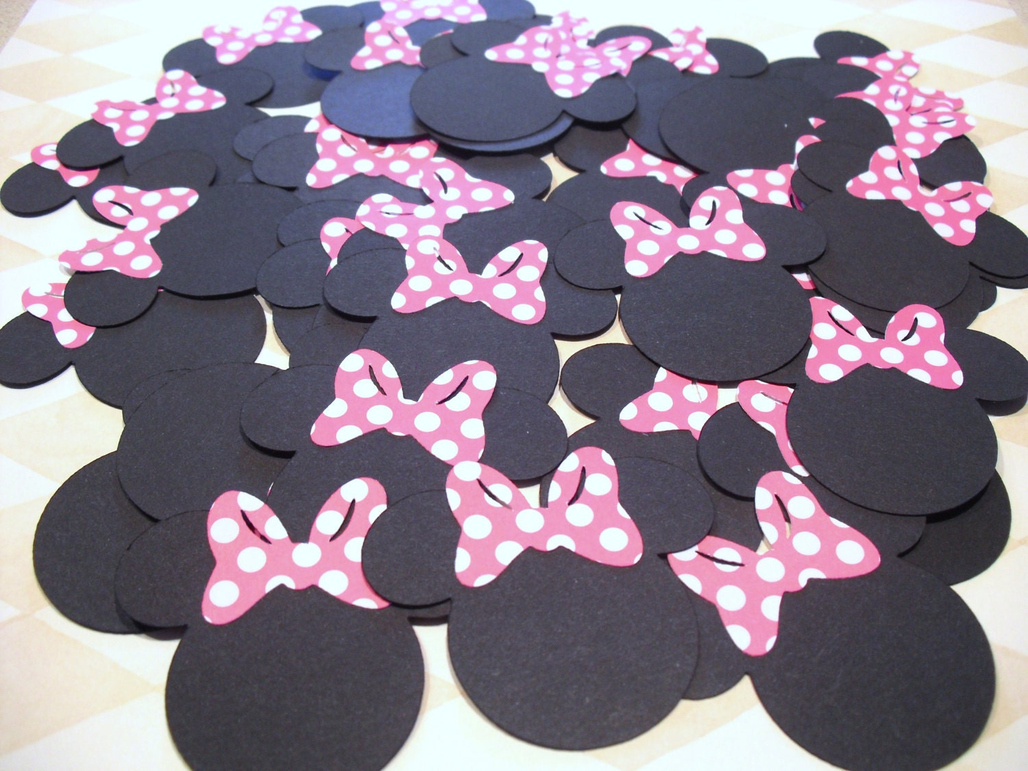 Minnie Mouse Bow Cut Out Images & Pictures - Becuo