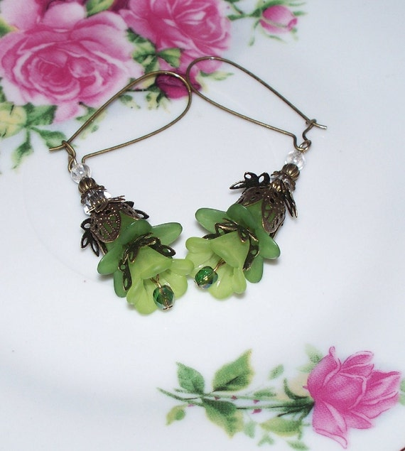 Flower Earrings, Green Earrings, Earrings Green Trumpet Flowers, Green Lily Flower, Bronze Findings, Spring, Mothers Day, Bridal, Weddings
