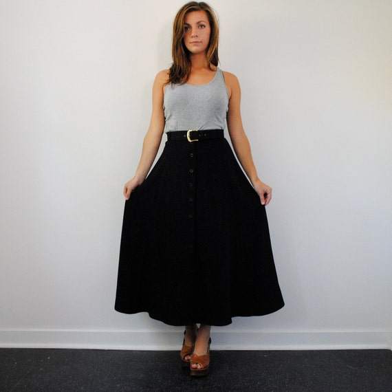 vintage maxi skirt in black with button up front (m)