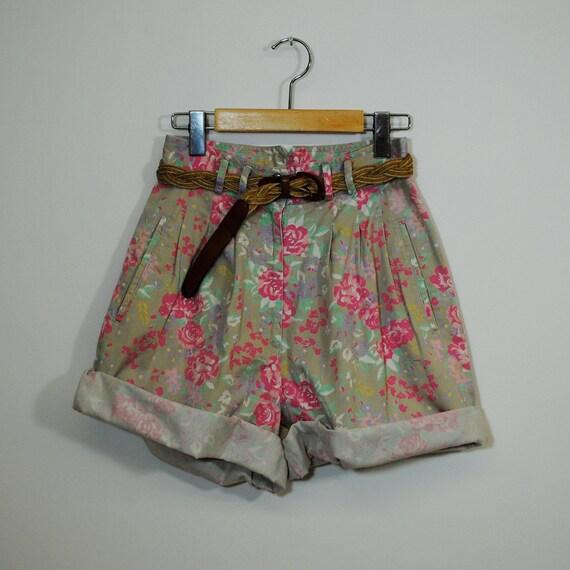 SALE vintage shorts / high waist floral print (xs-s)