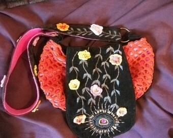 Hippie-chic handbag, CROCHET, EMBROIDERY, flowers, Spanish designer,