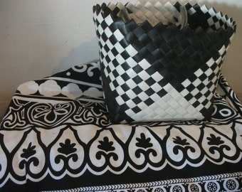 VINTAGE BASKET, black and white, 1960s style
