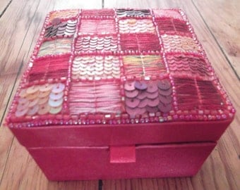 RED BEADED JEWELLERY box, red satin, pinks, purples, sequins,glass beads, mirror, 11 x 11 cm