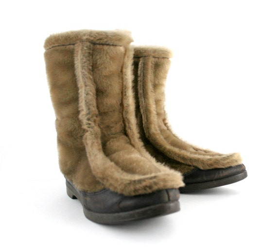 vintage snow boots in faux fur and leather by yodelers by