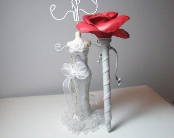 Wedding Guest Book Pen / Red Rose Flower Pen/Leather  Pen Arrangement
