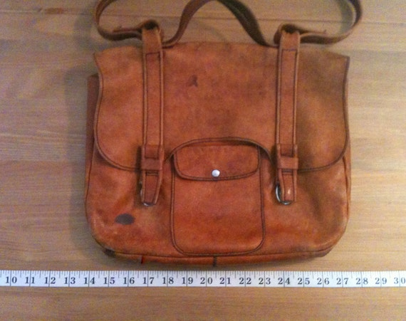 Bag reserved until Thurs for Ai-Ch'ng Vintage 70s Leather Columbian boho Satchel