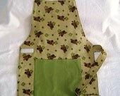 Montessori style childs apron perfect for that little kitchen helper featuring Scooby Doo