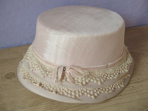vintage pink women's pillbox white lace hat cap, velvet, synthetic, fashion,pittsburgh, ladies