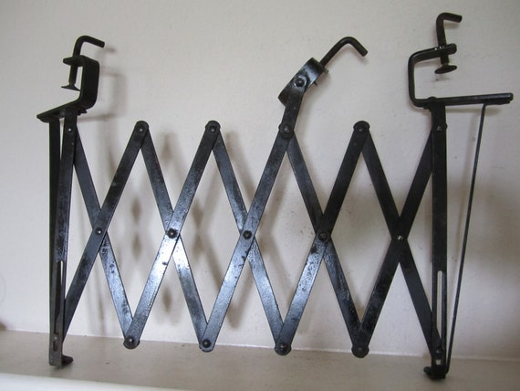 Automobile Luggage Scissors Rack