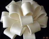 Loopy Bow Gum Paste Topper