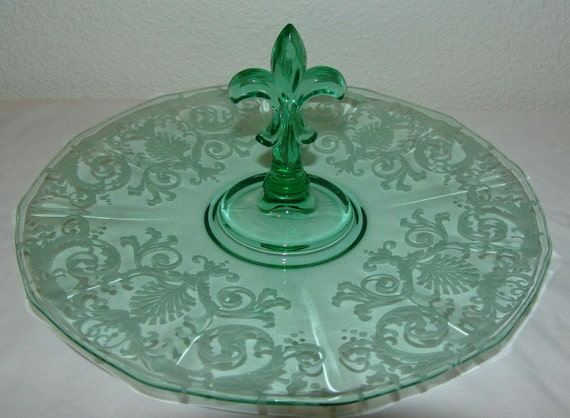RESERVED FOR YOTOMAS Fostoria Fleur de Lis Center Handle Tray Versailles Green pattern