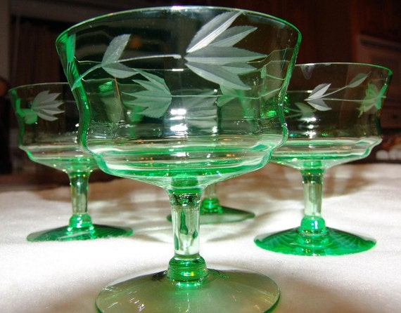 Etched Depression Glass Set of 4 Stem Sherbet Glasses Green