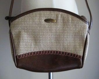 Liz Claiborne Purse / 80s Woven Shoulder Bag / 90s Pouch Purse